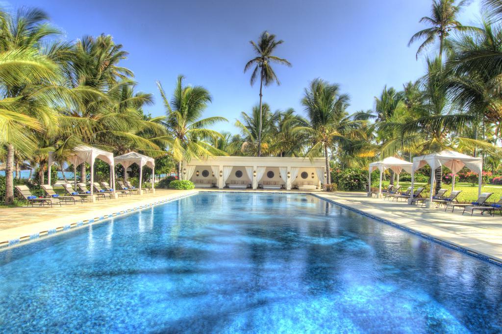 With Swahili design and Zanzibari furnishings, Baraza Resort and Spa Zanzibar is an all inclusive resort located in Bwejuu