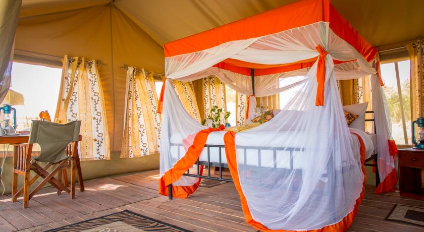 Kisura camp is primely located in the Serengeti National Park just 2kms from the Seronero Airstrip, providing a perfect position from which to explore.