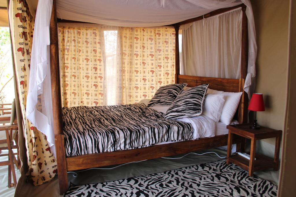 Serengeti Acacia Camps works with reputable safari operators that offer tailor-made tours for couples, family, and group of friends among many others.