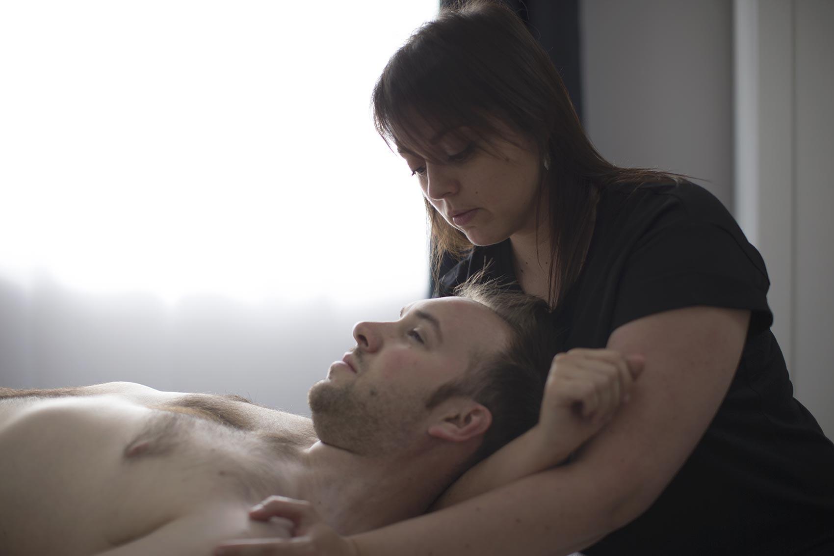 Massage thérapeutique d'homme