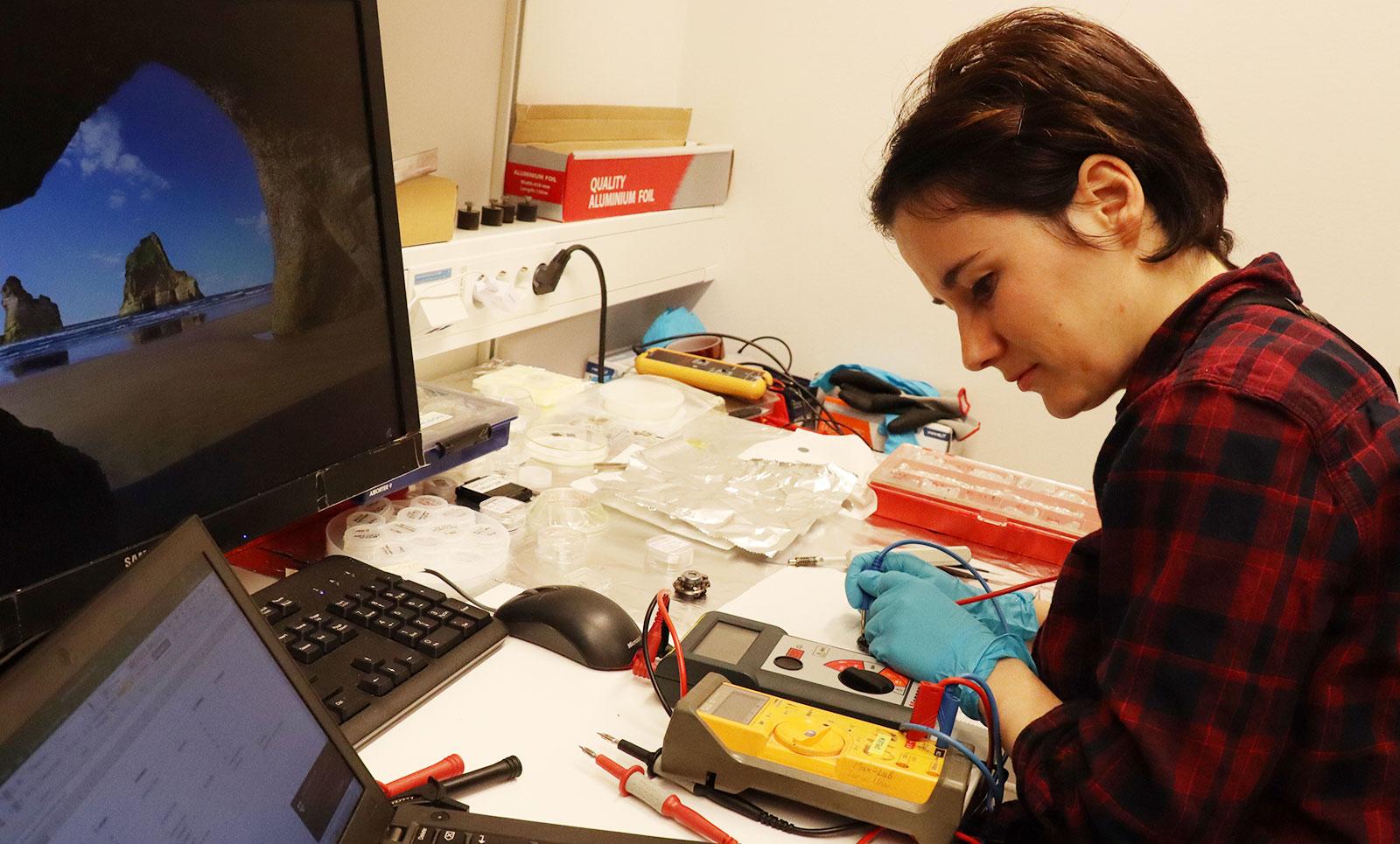 Claudia Struzzi wins Prix de Chimie Appliquée for best thesis