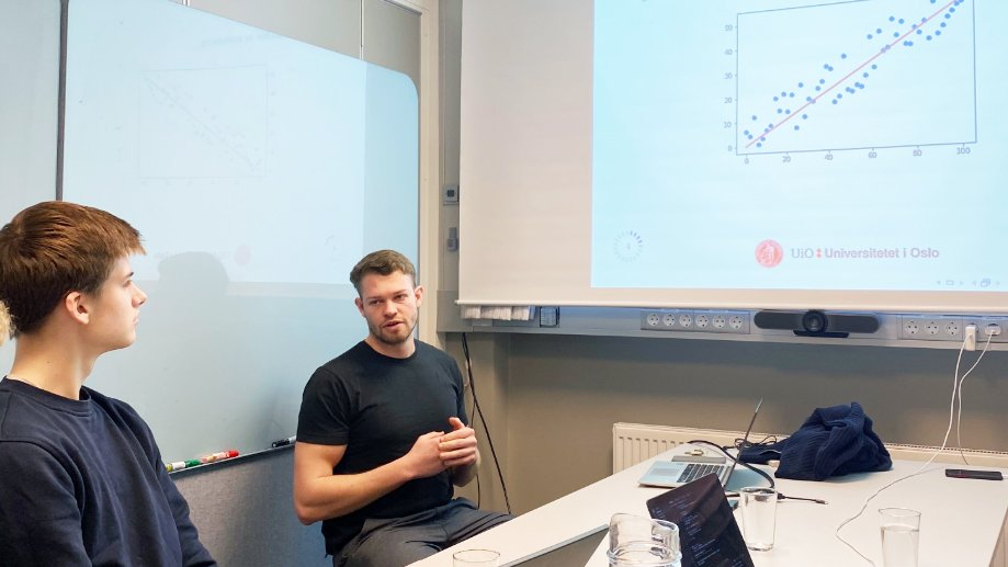 Ullern students learning artificial intelligence, machine learning and neural networks.