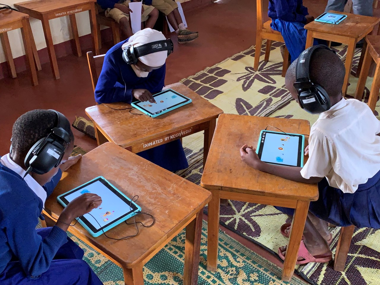 The project 'I hear you', are carried out in Tanzania. Here, researchers are using games technology and adapted headphones to screen people for hearing problems. Photo: Tone Øderud/SINTEF: