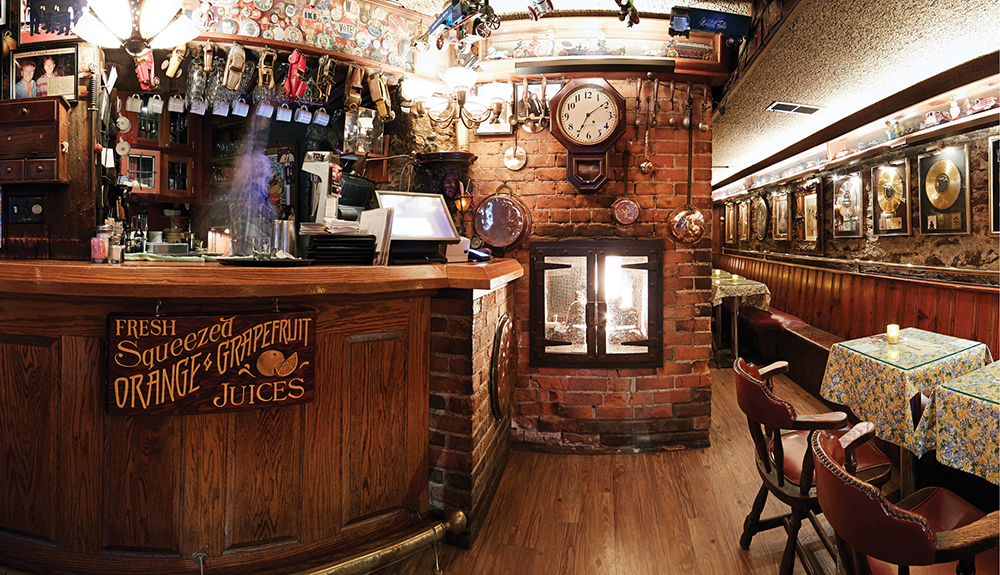 the blind lemon old fashioned bar interior