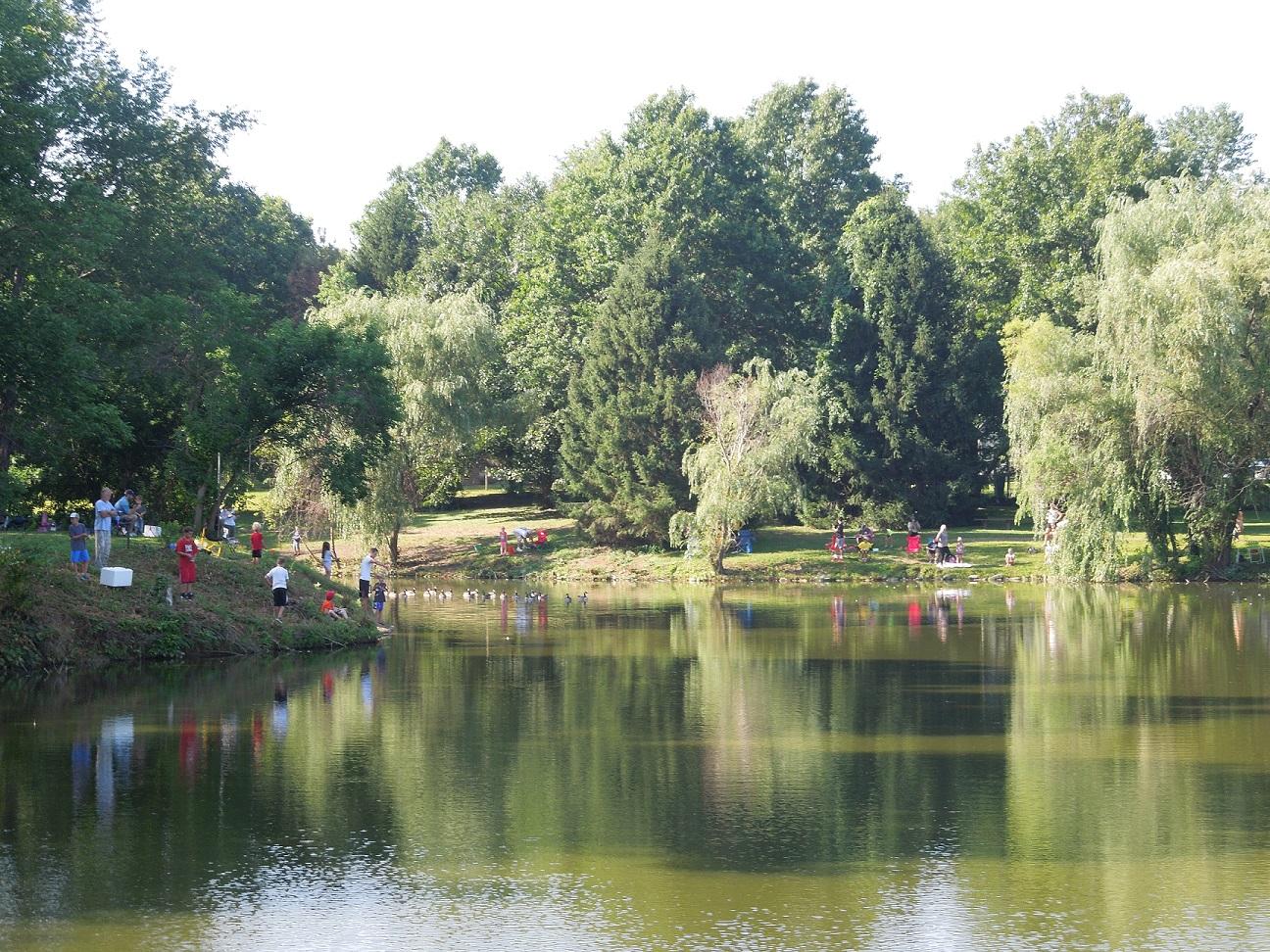 sycamore creek park pond