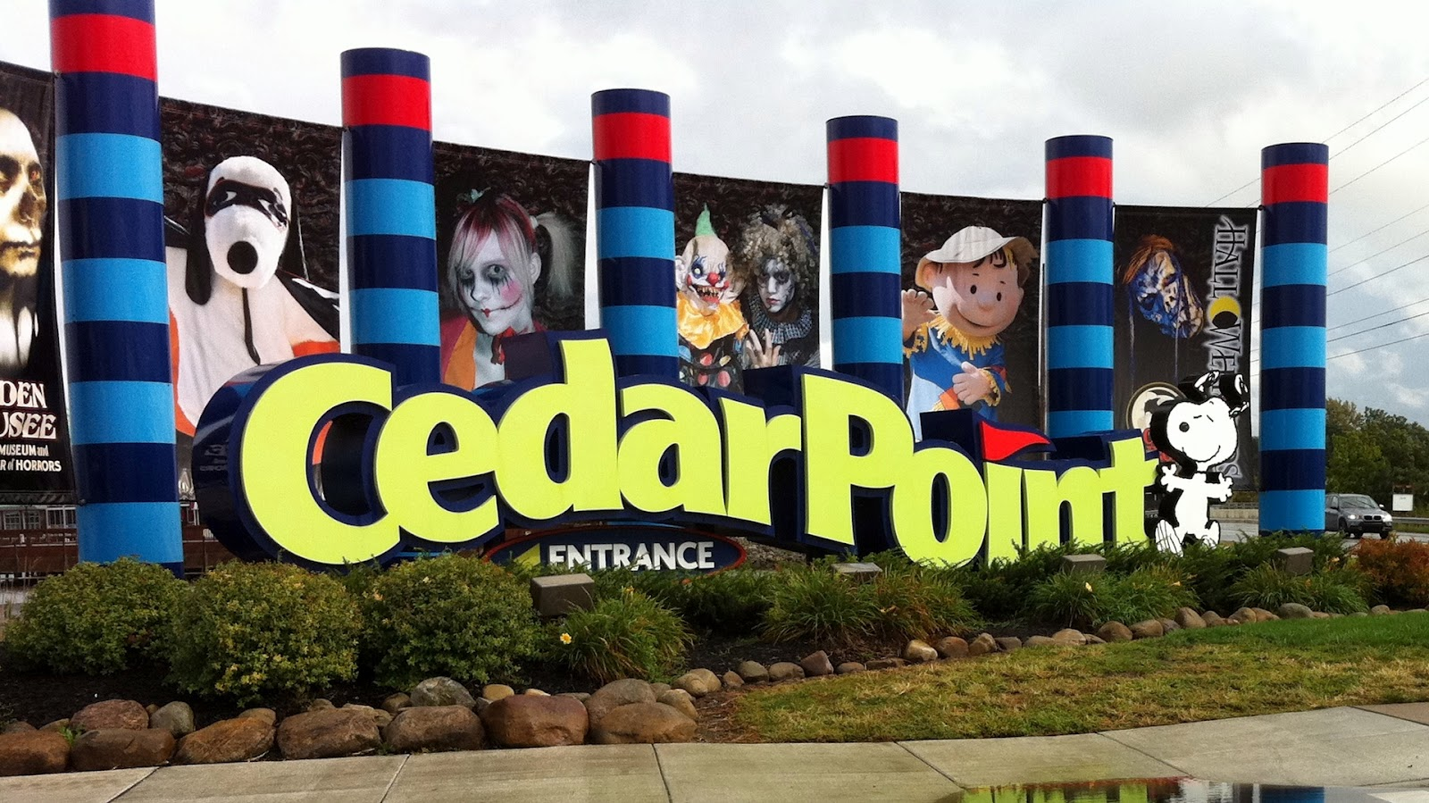 cedar point entrance with halloween decorations