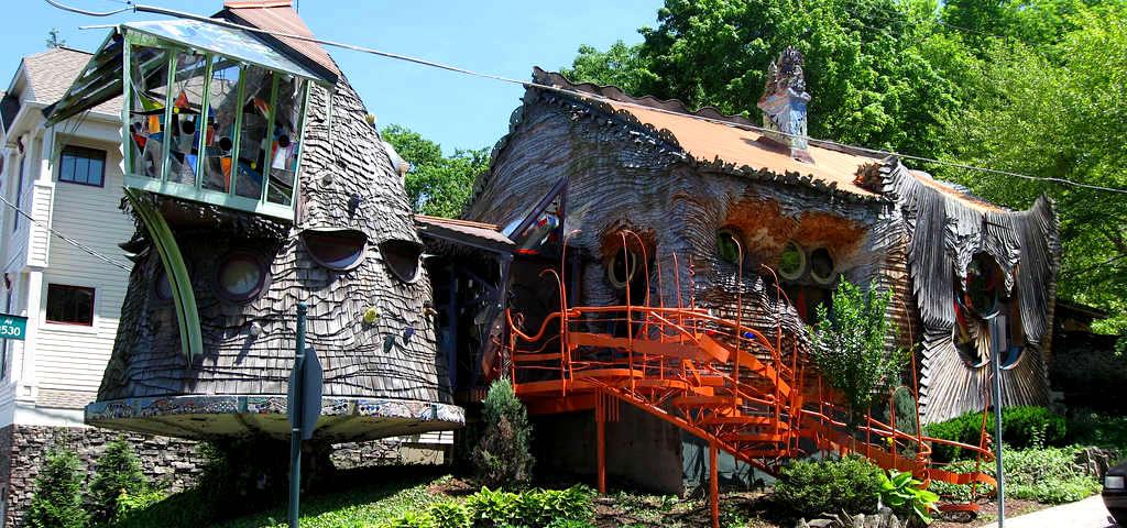 Mushroom House in Hyde Park Ohio