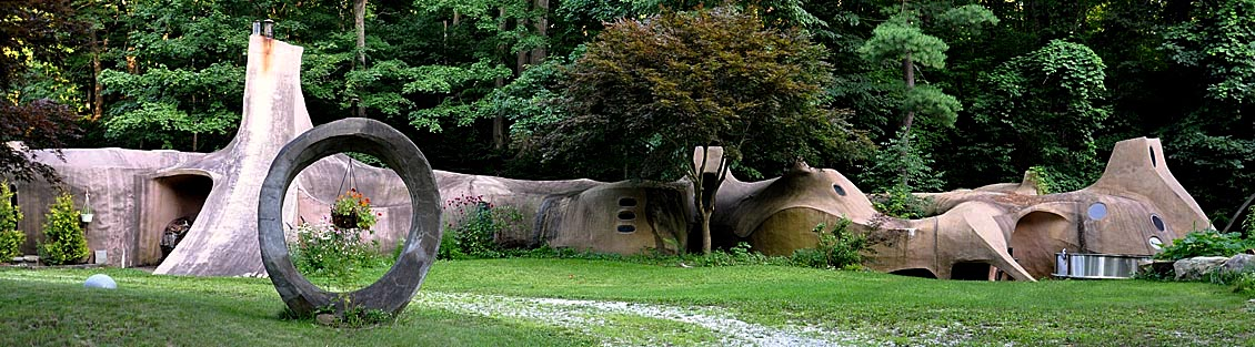 Flintstone House in Painesville Ohio