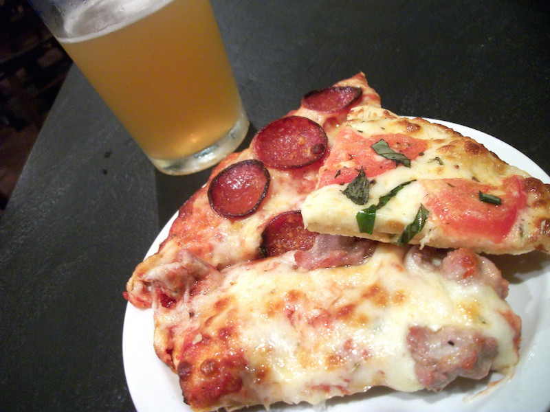 pizza & beer from Iacono's Pizza