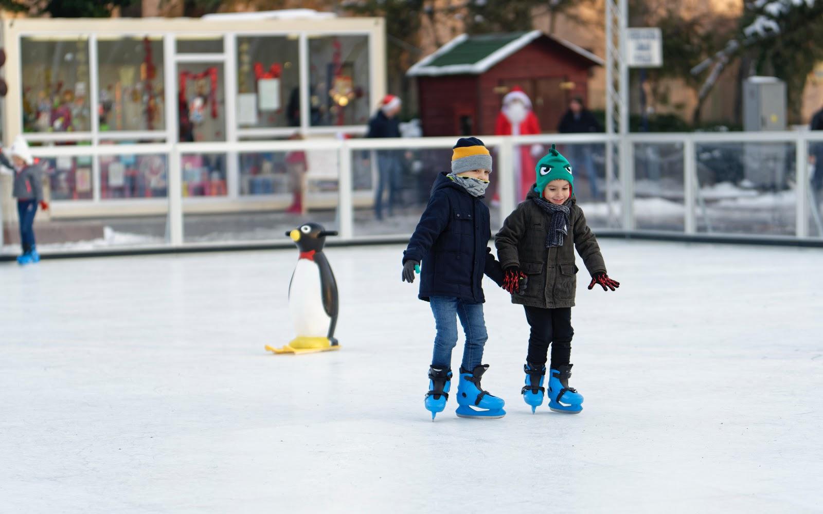 kids skating at City of Cuyahoga Falls Outdoor Ice Rink