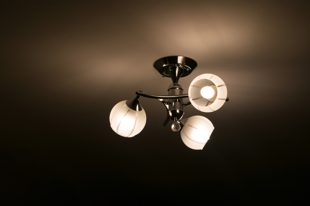 5 Must-Read Common Causes of Flickering Lights
