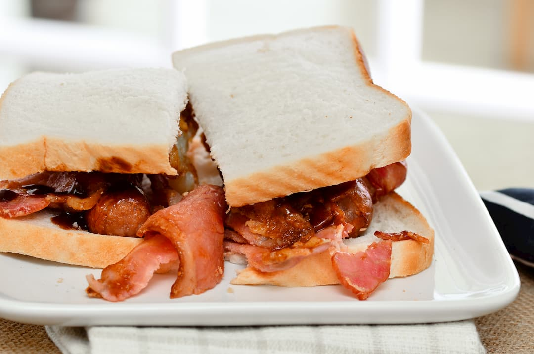 Take a look at Sarah's Kitchen blog for the ultimate bacon sarnie recipe