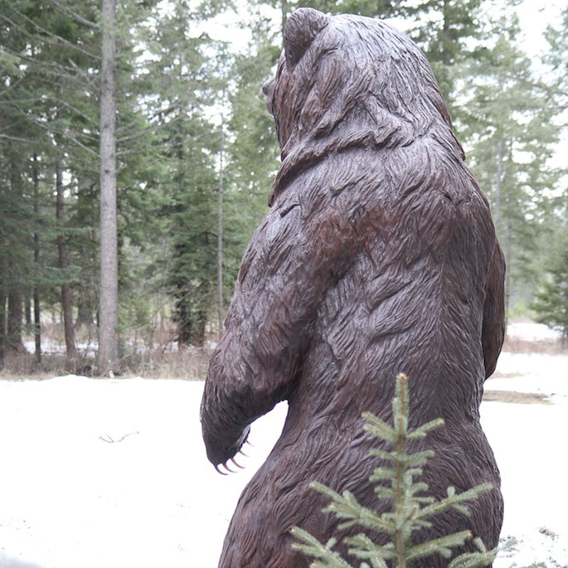 large life size wood carving brown grizzly bear monument sculpture
