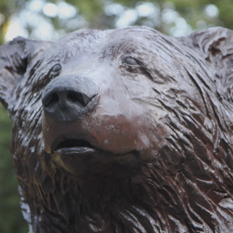 life size wood carving gizzly bear