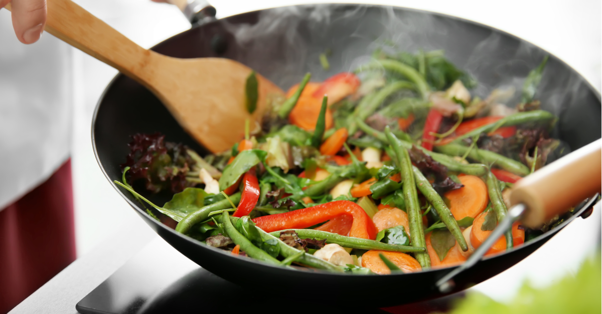 small stir fry full of veggies cooking