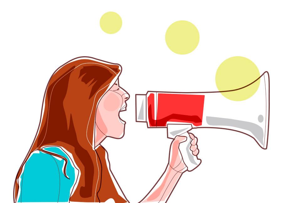 Colocar a boca no trombone: que seja pra falar bem da sua empresa! Na imagem, uma mulher segura um megafone e tem expressão de que está falando alto nele.