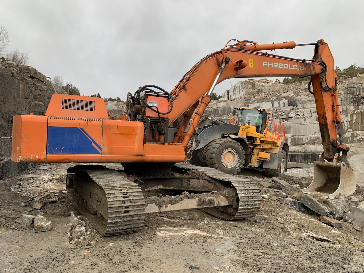 2002 Horizontal drilling application Hitachi FH220