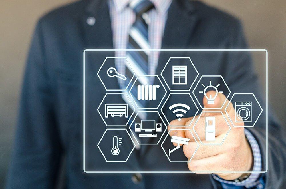 Empresas que terceirizam serviços de TI: serviços e vantagens de contratar
