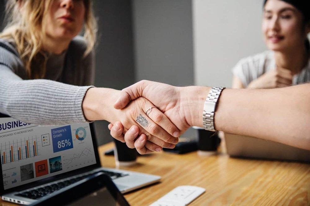 Como vender serviços de TI: 6 dicas para você que é autônomo atrair mais clientes