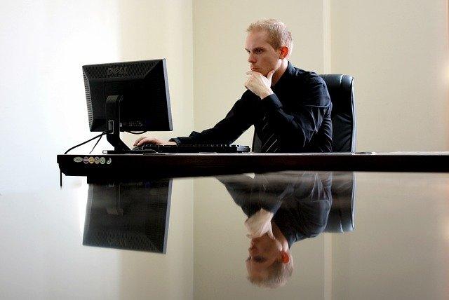 Notebook ou desktop para empresas? 5 pontos a observar antes de escolher