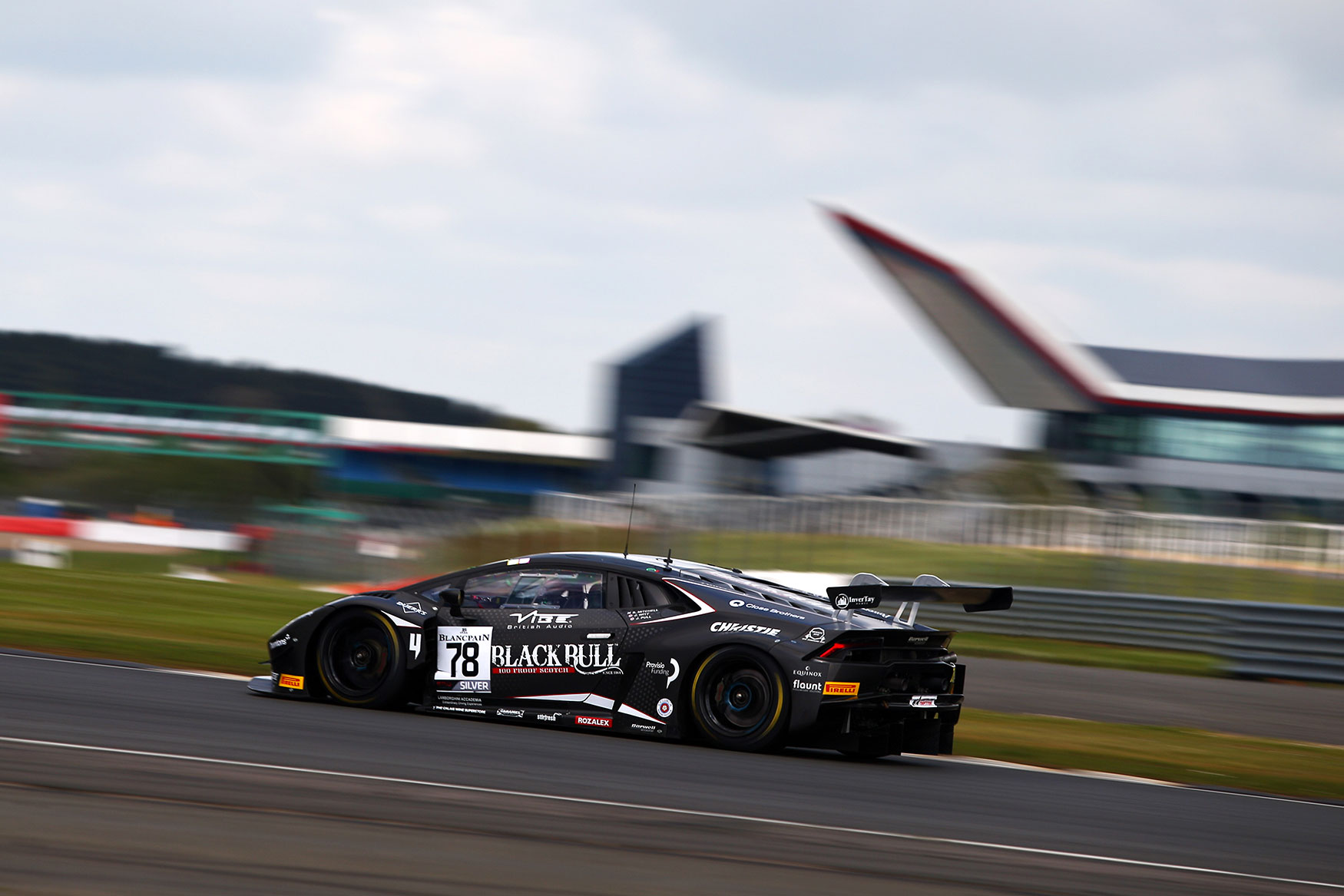 Pull fighting at the front in Blancpain GT Series at