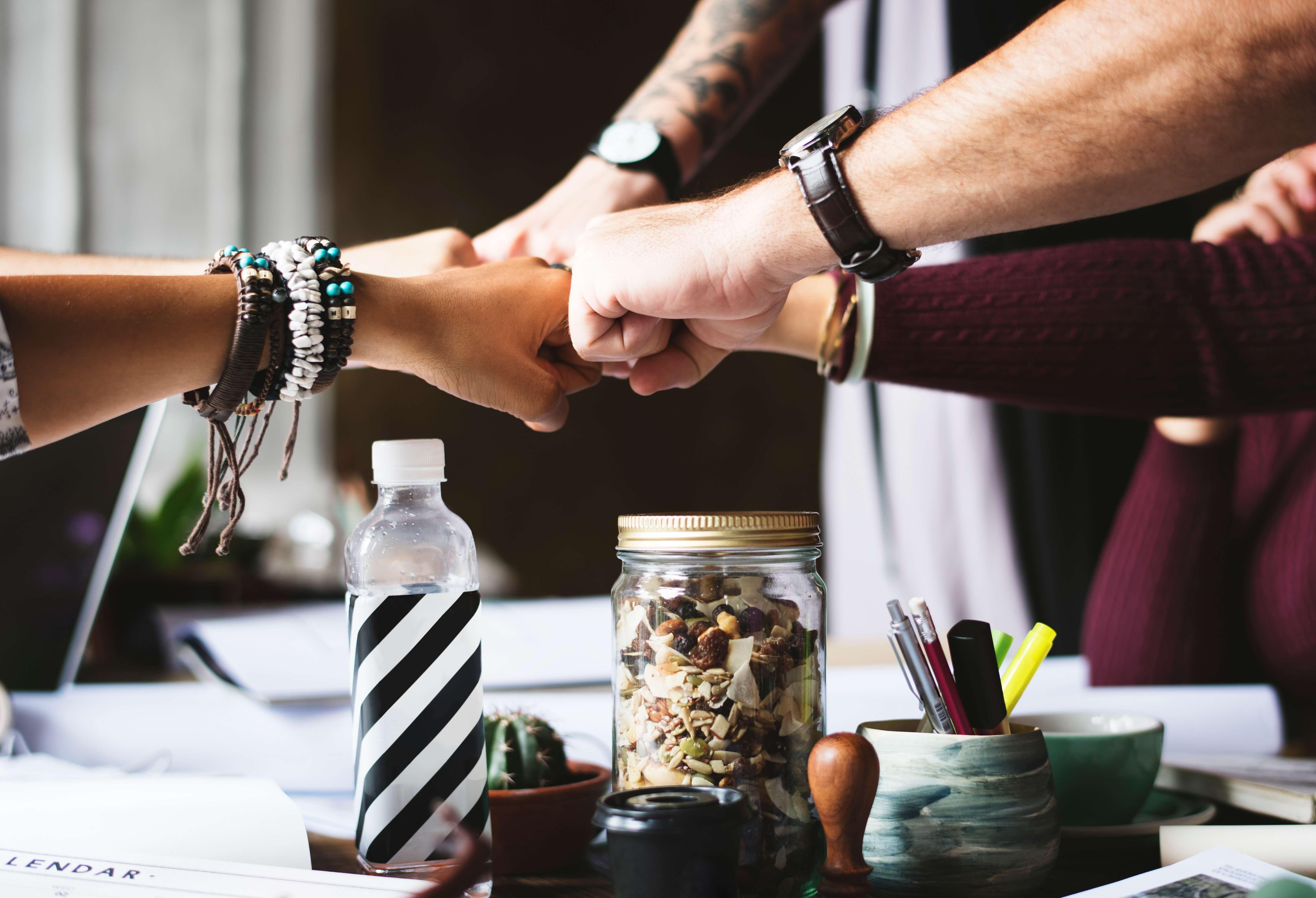 Time ou parceria entre uma equipe de trabalhadores