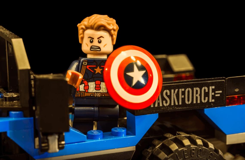 Lego de Steve Rogers, o Capitão América da Marvel.