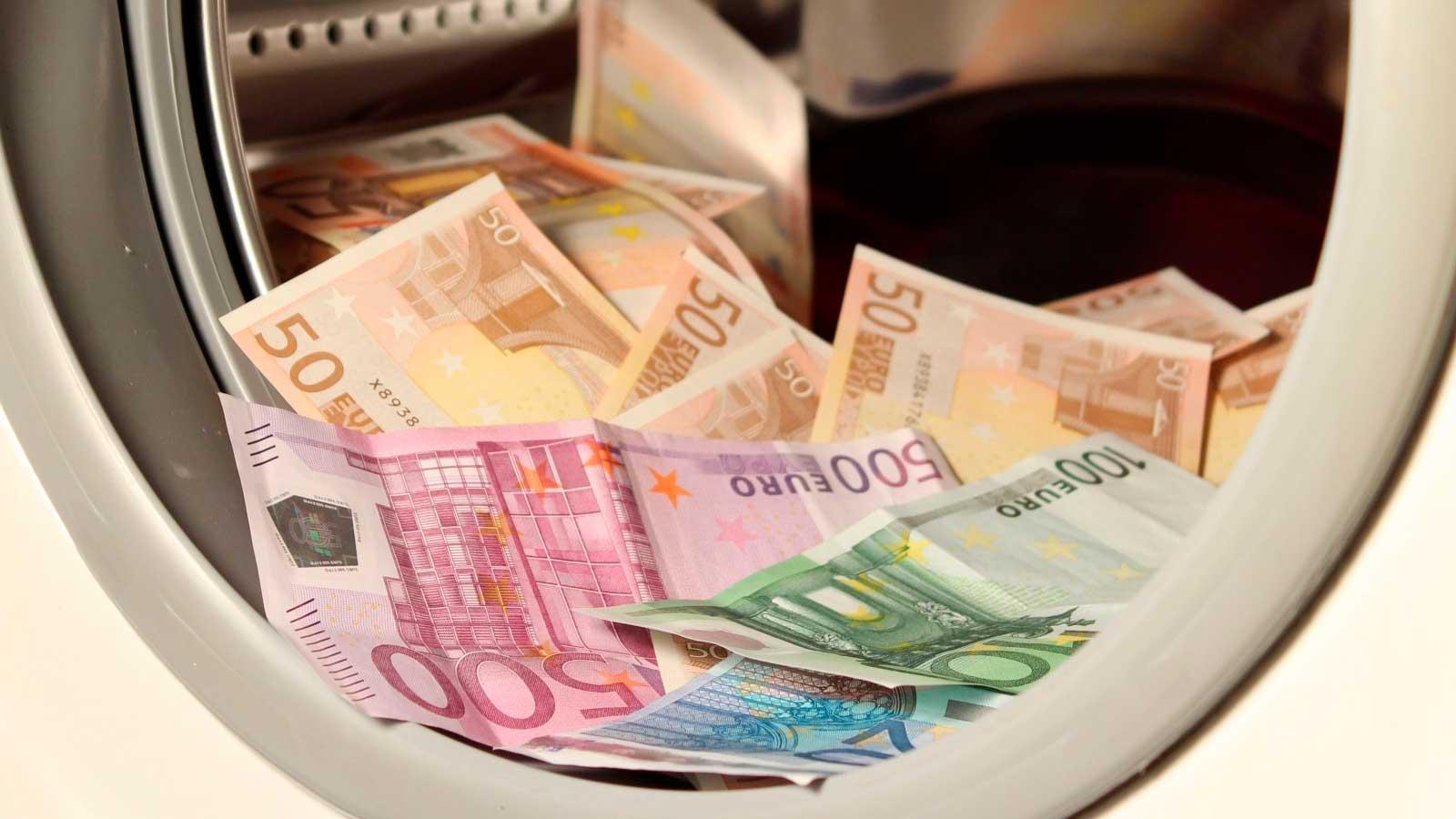 Dinheiro na máquina de lavar