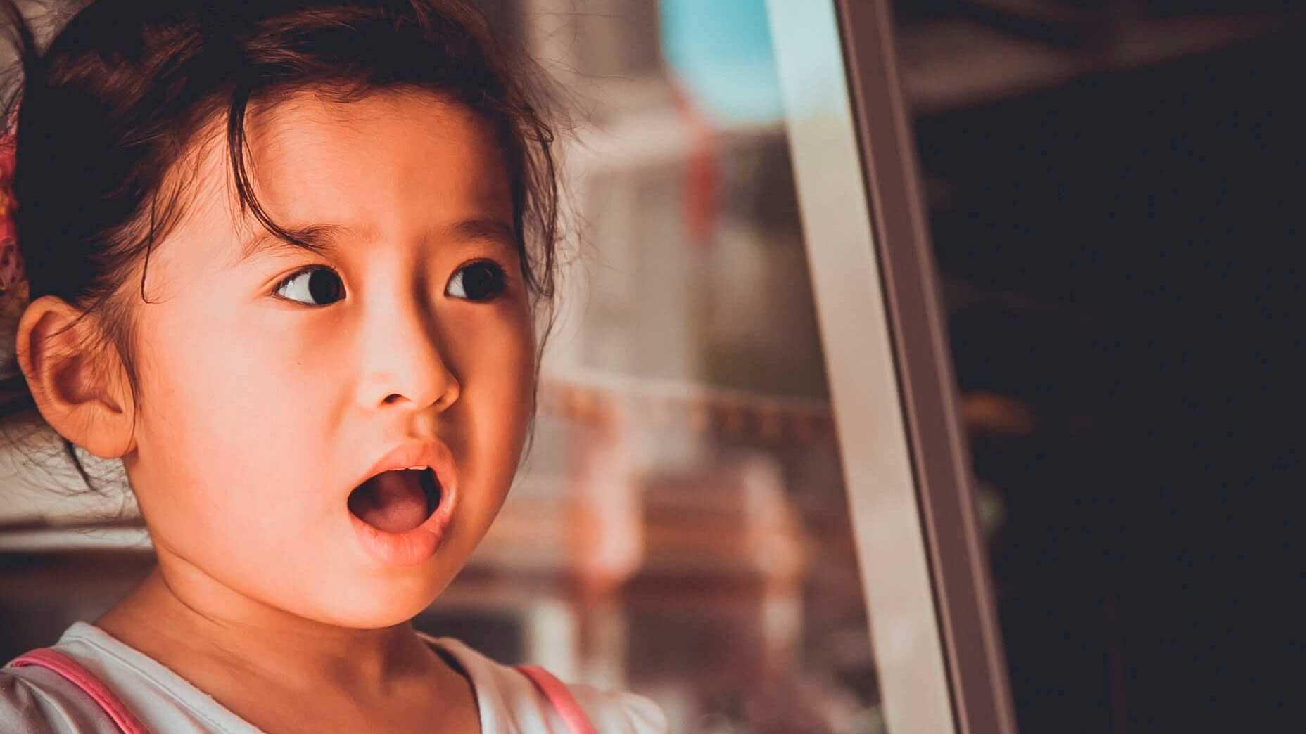 Meu filho não me obedece — Como posso fazer com que ele me ouça? - Menina surpresa