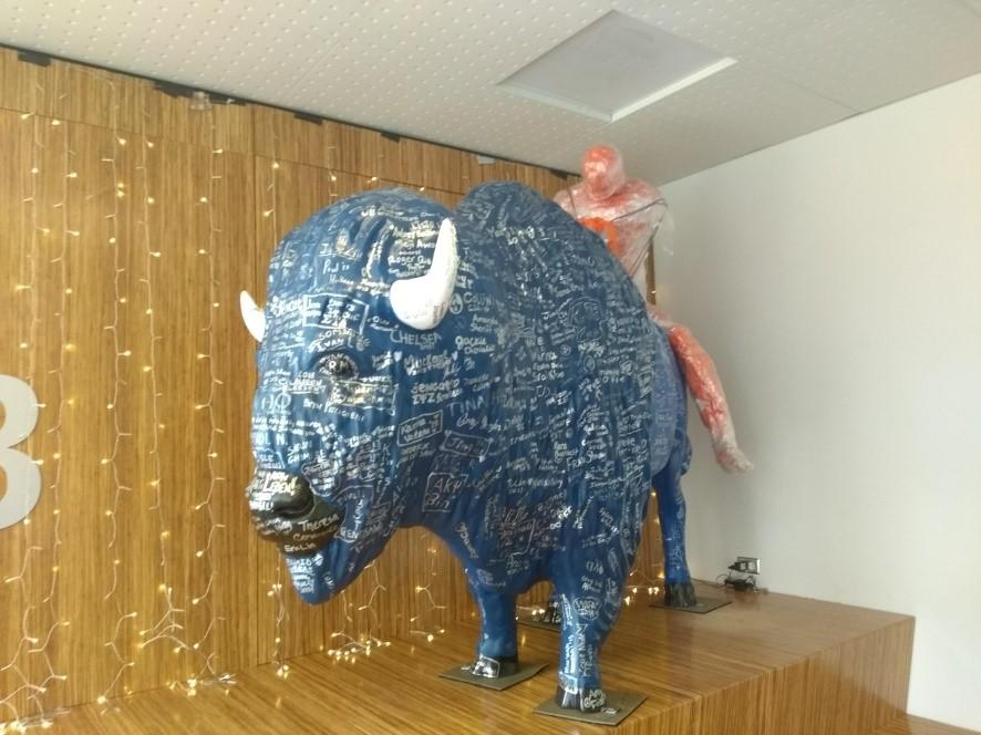 Estátua de Buffalo na CPSI