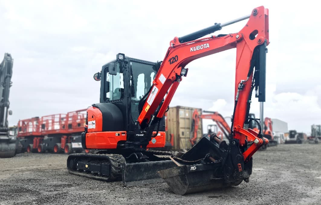 Hire Earth Moving Equipment | Excavators
