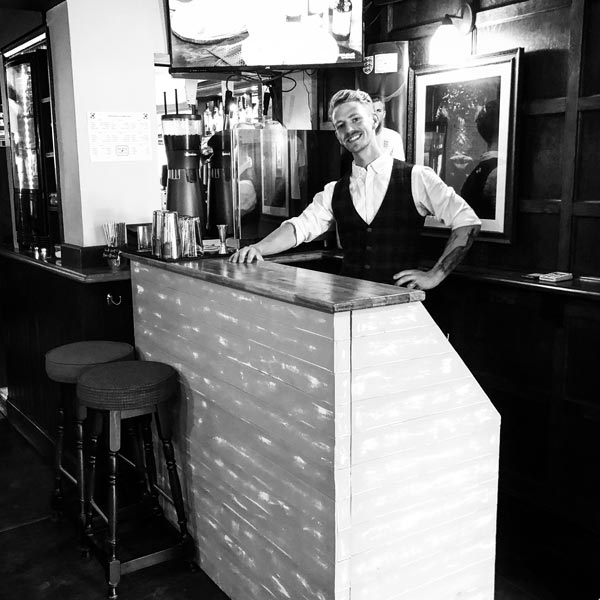 Mobile bar hire for pubs