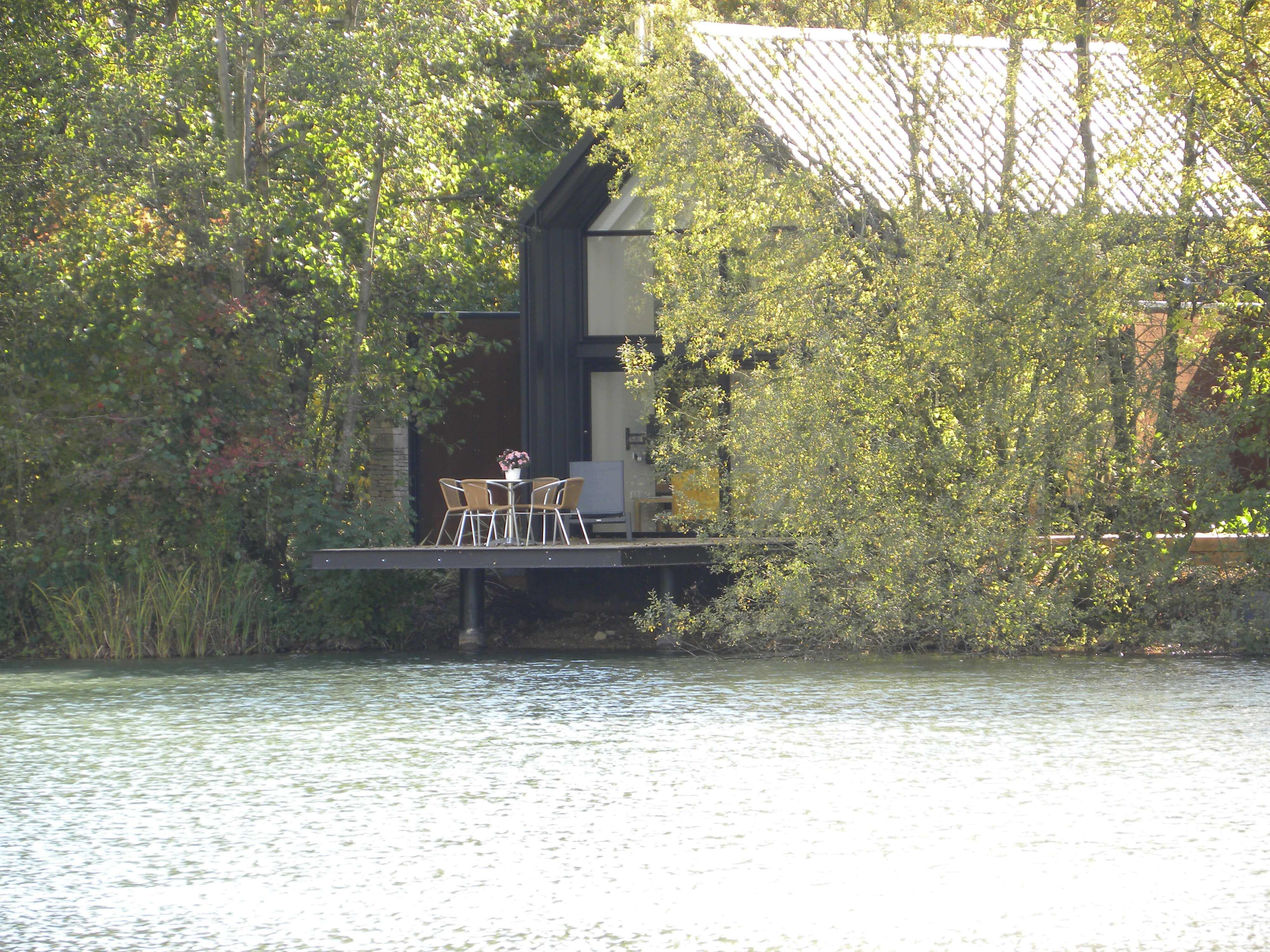 Willow Lodge - Little Horseshoe Lake
