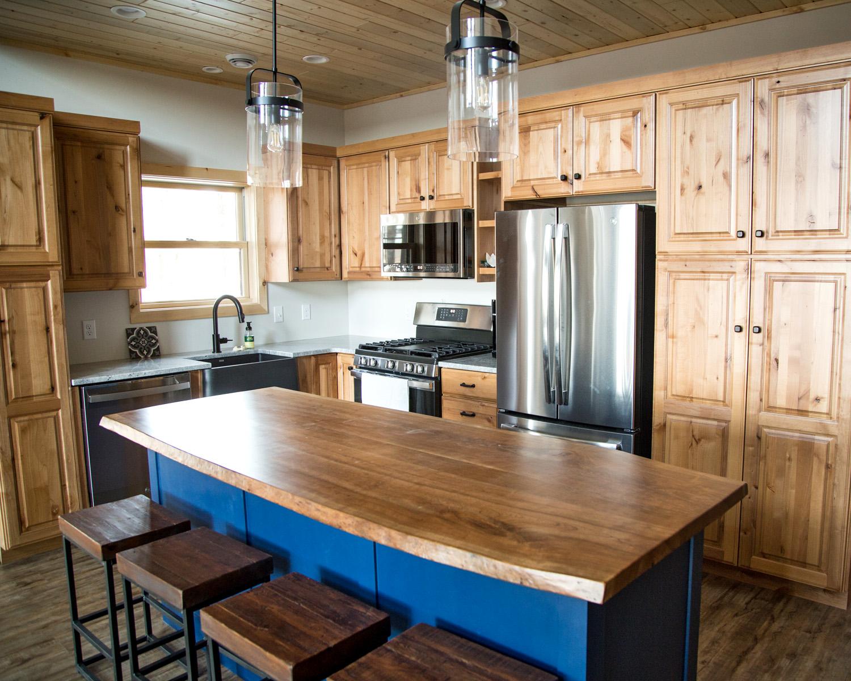 Custom kitchen by EL Builders LLC