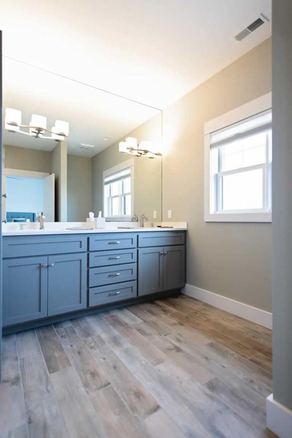 Quality custom bathroom cabinets