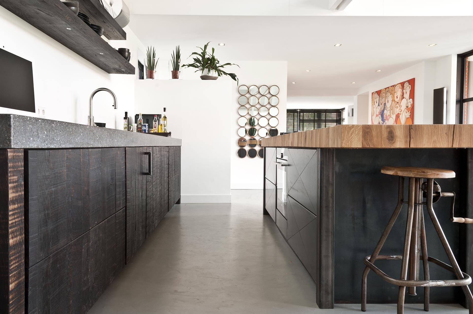 Keuken van staal