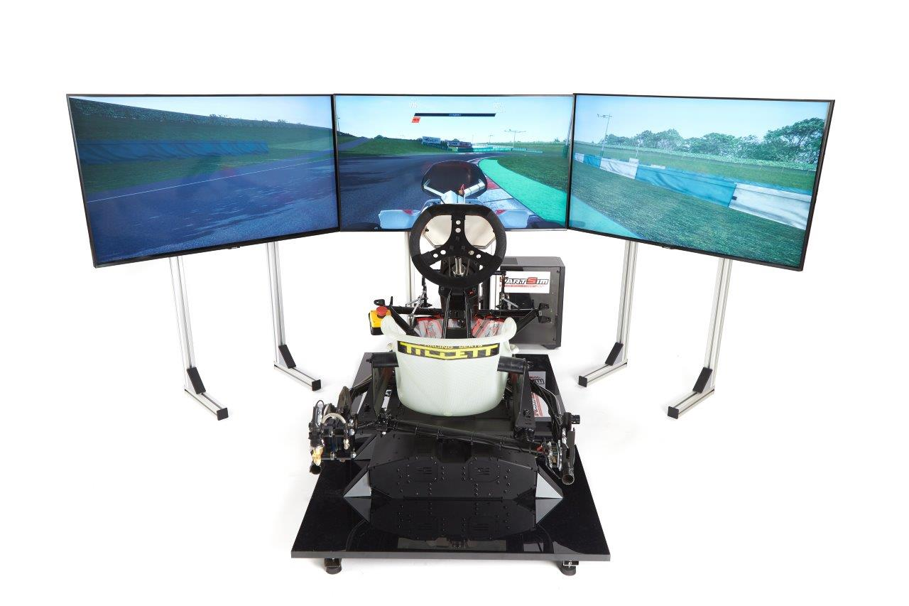 cadet-simulator-triple-stands-triple-43-inch-4k-hd-screens