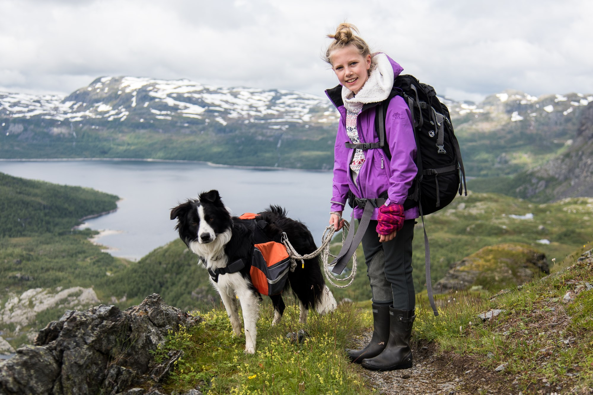Picture of girl hiking in the Suldal montains