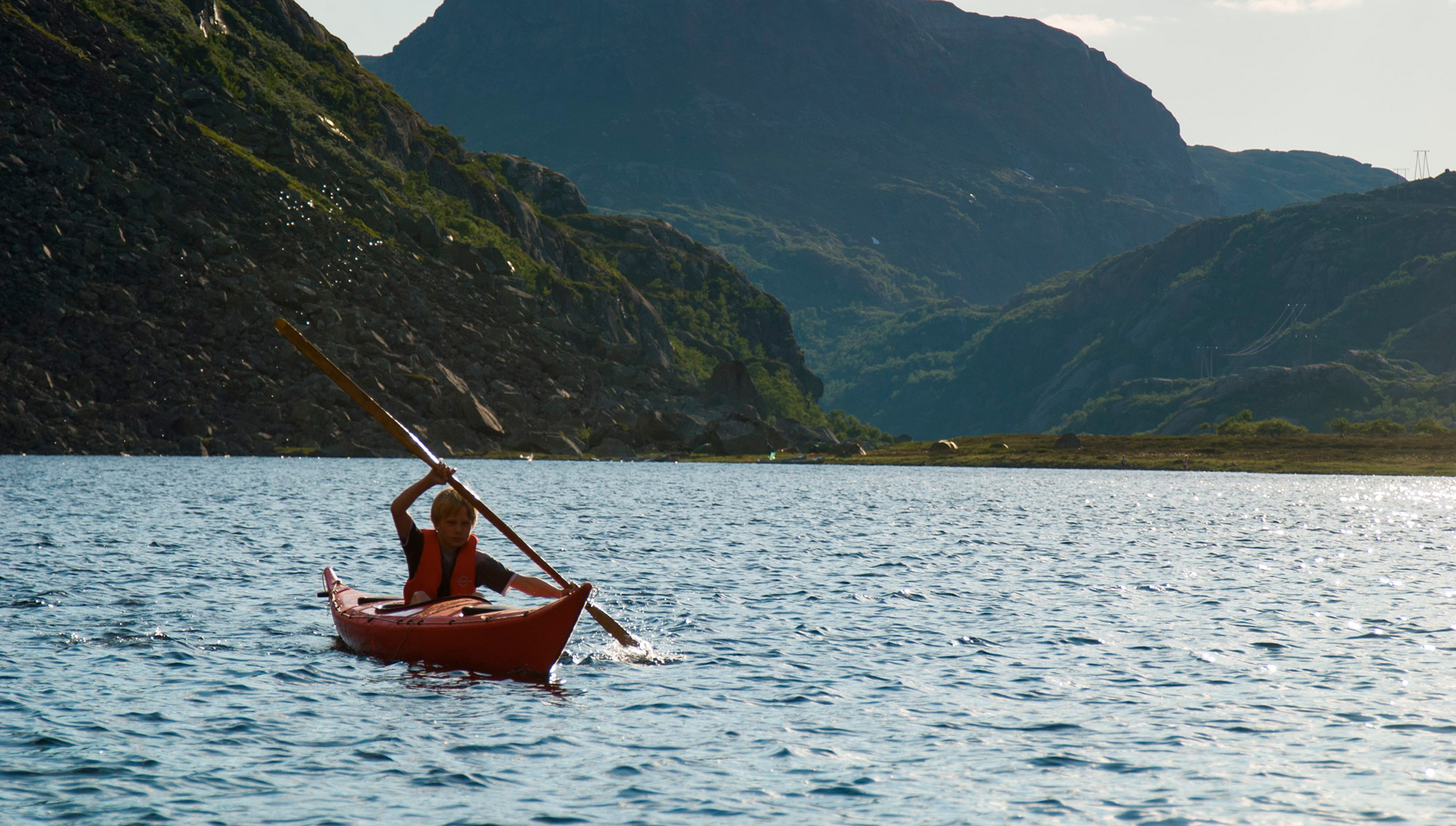 Picture of kayaking in Suldal