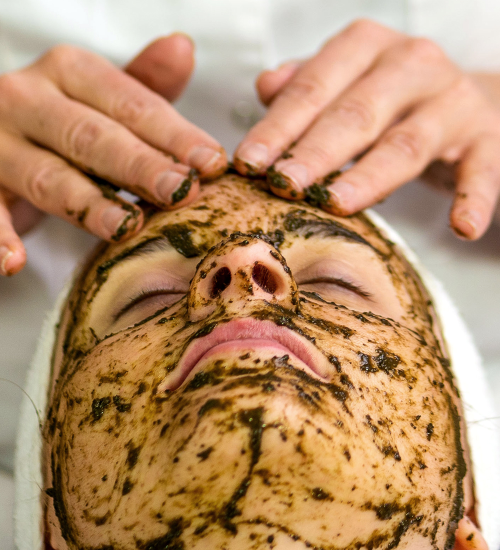 Ansiktsbehandling Alex Cosmetic