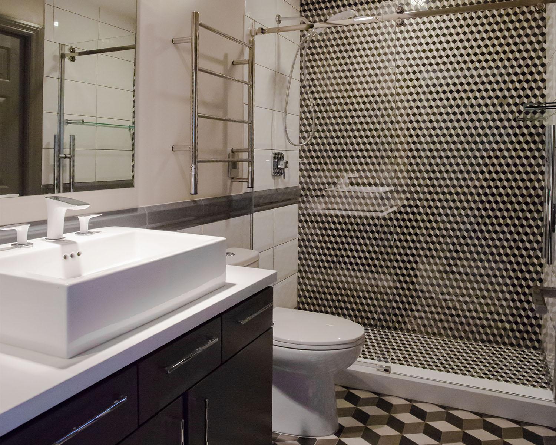 Ozzykdesigns - Bathroom