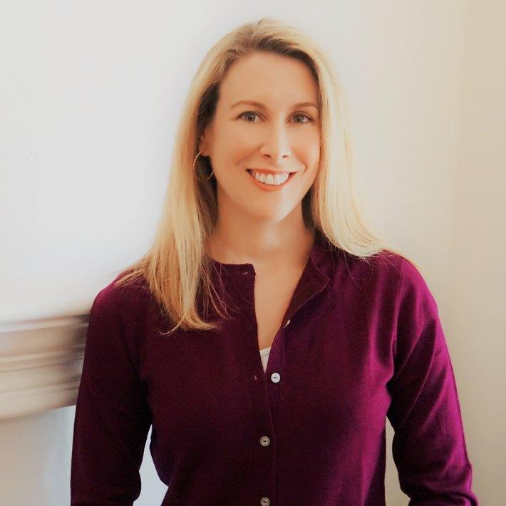 Headshot of Dr. Amy Hostetter