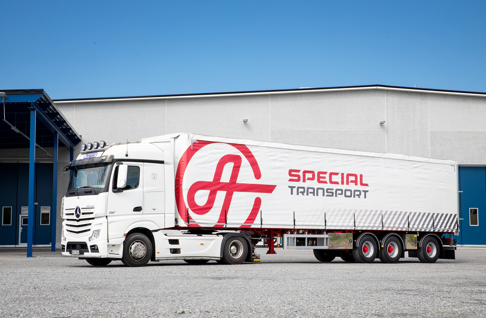 Extendable semi-trailer for AT Special Transport