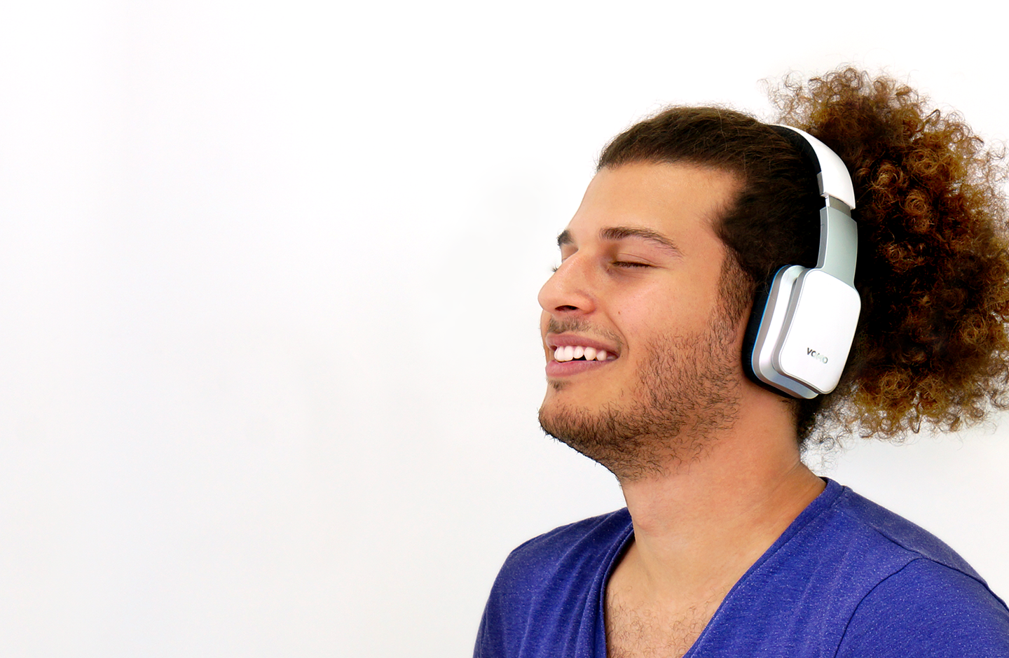 male with headphone bluetooth photography