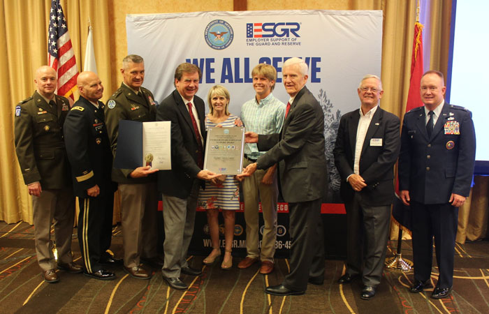 Shofner Received the Extraordinary Employer Support Award