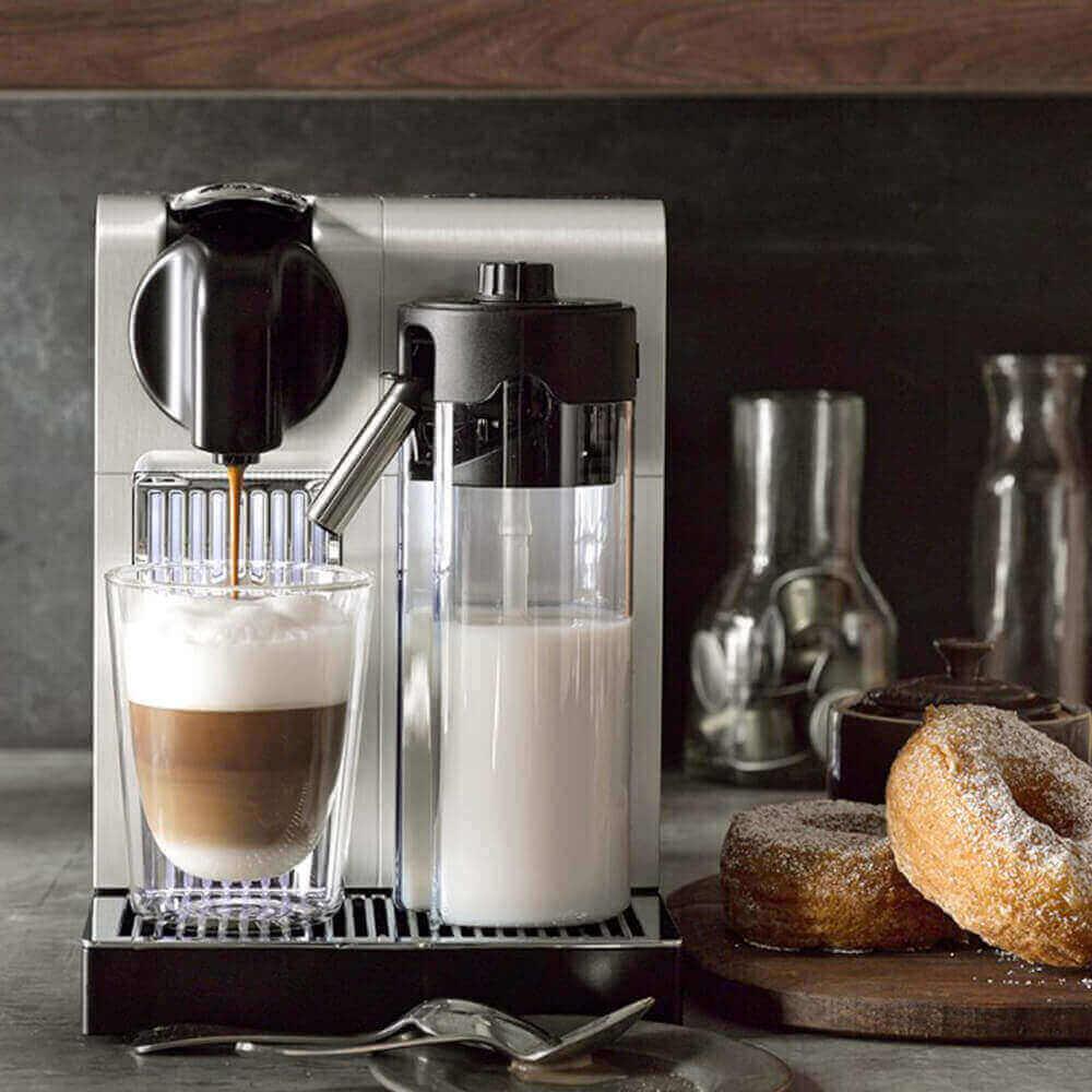 Живое фото кофемашины Delonghi Nespresso Lattissima Pro EN750 MB
