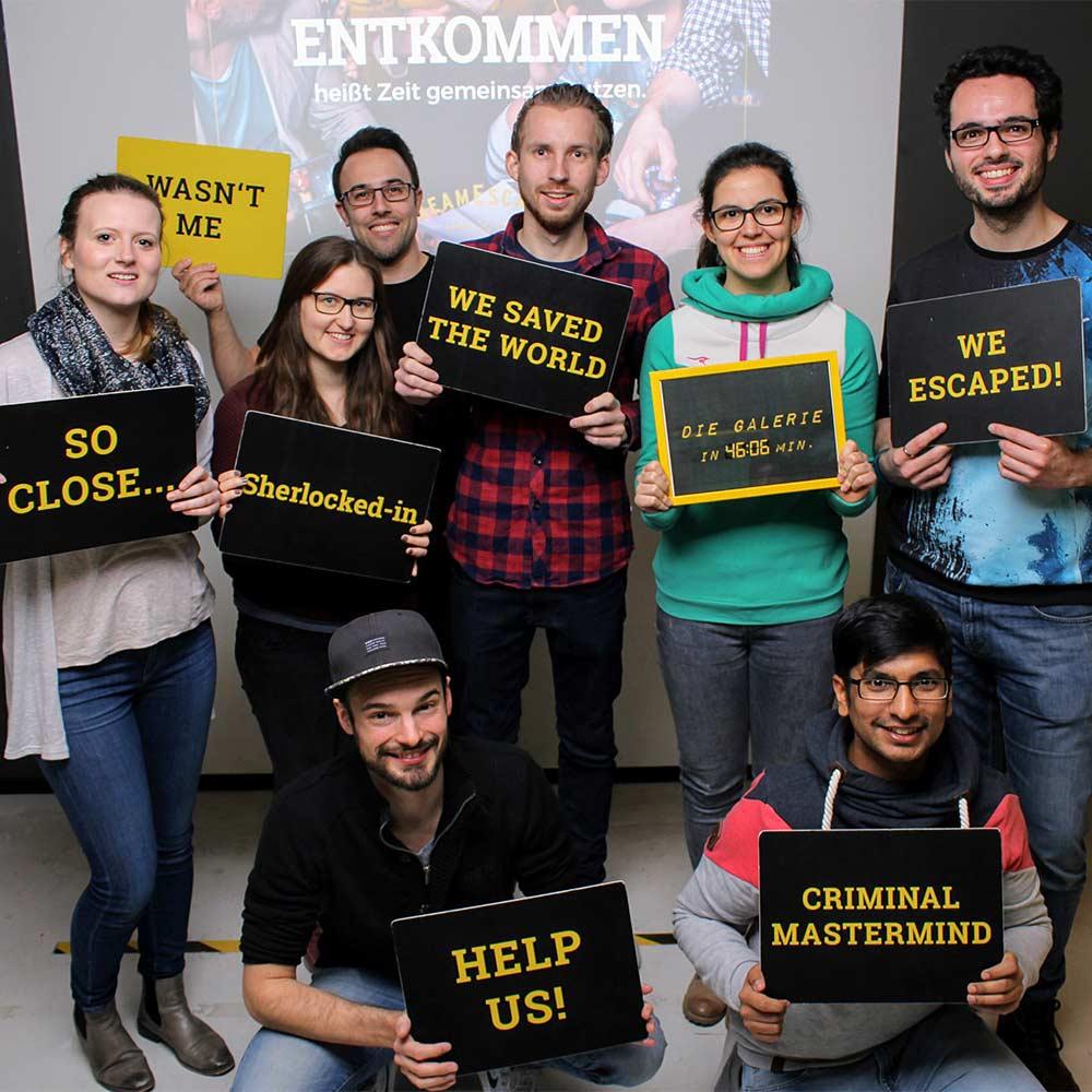 Team-Foto nach dem erfolgreichen Entkommen der TeamEscape-Räume