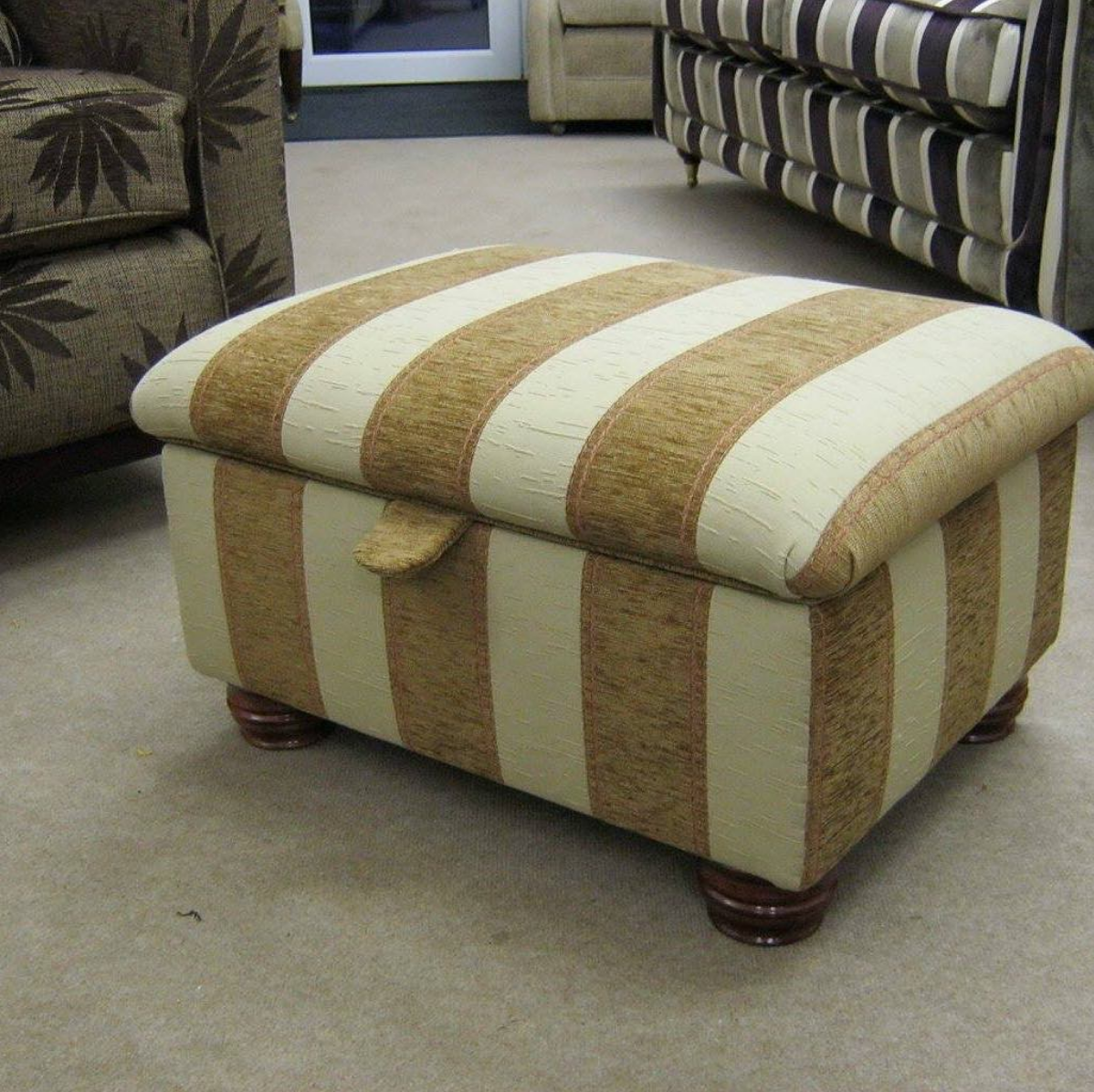 Bespoke Oak Tree footstool with lid closed