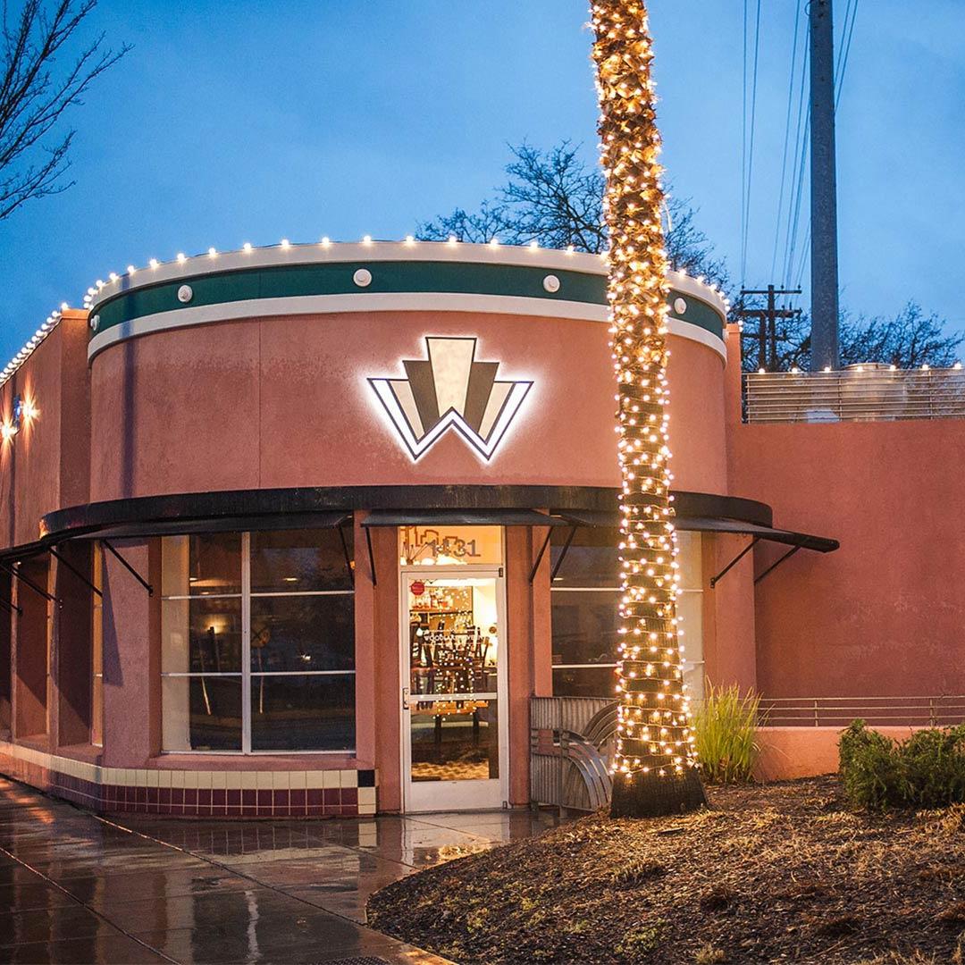 Woodlake Tavern Restaurant