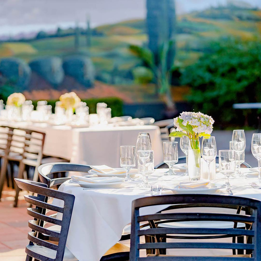 Woodlake Tavern Patio Catering service